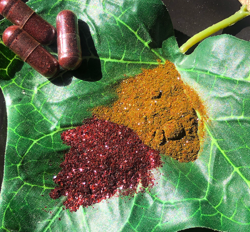 red and gold kratom extract